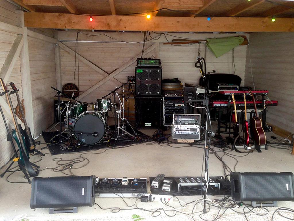 Garagen-Konzert im privaten Garten in Gals